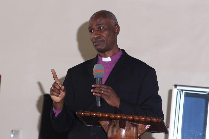 Baba Askofu Mkuu akitoa neno la ufunguzi wa kikao.